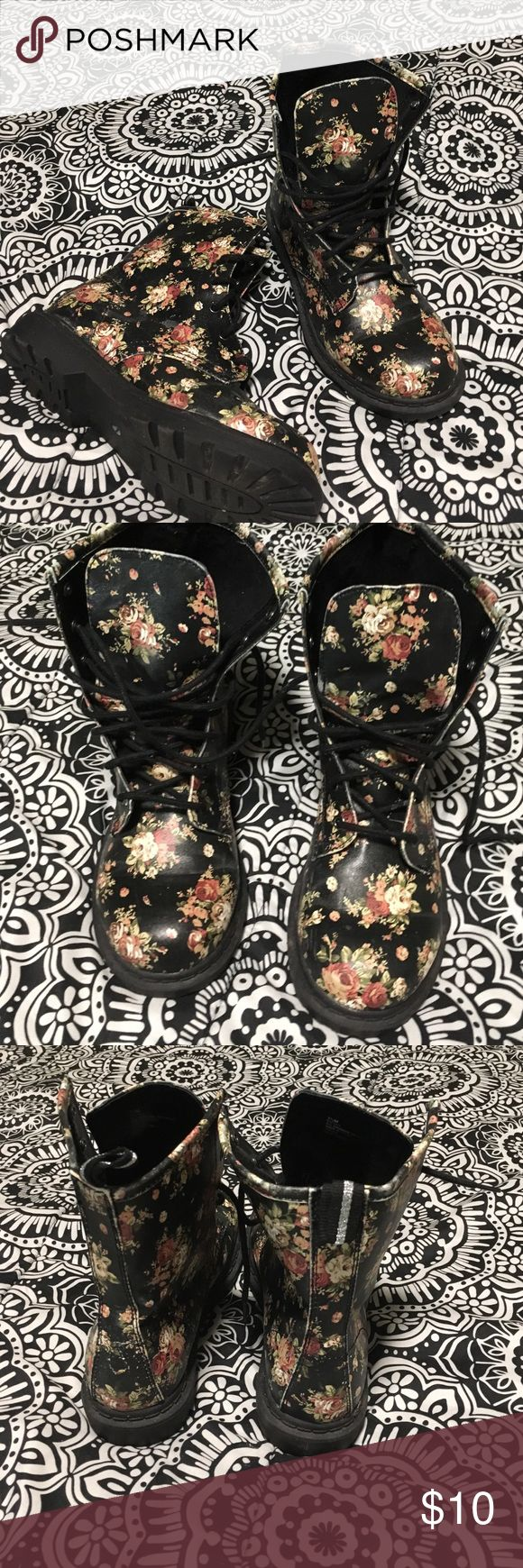 Floral combat boots Super cute I love you is I just don't wear them as much as I usually did. In amazing condition waterproof, no scuffs minimal signs of wear super cute with leggings and an oversize sweater or with just jeans❤️❤️ Arizona Jean Company Shoes Combat & Moto Boots