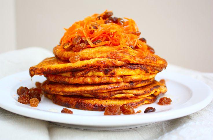 Pannenkoeken voor de kids, maar dan anders! Maak eens deze zalige zoete aardappelpannenkoeken, bekijk hier het recept.