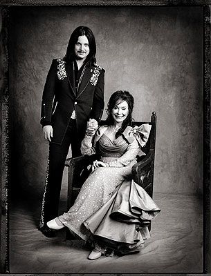 """Jack White and Loretta Lynn / 2004 / via Entertainment Weekly / the album """"Van Lear Rose"""" was a great collaboration"""
