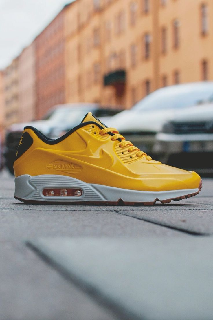 Nike Air Max 90 Hyperfuse Suede Black Varsity Maize White Shoes