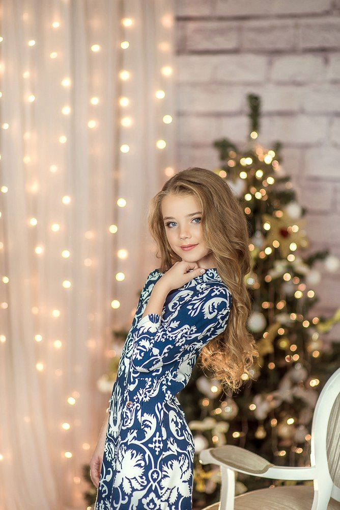 Cute Russian Girls at Home   KLYKER.COM