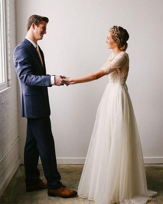 Znalezione obrazy dla zapytania suknie ślubne rustykalne