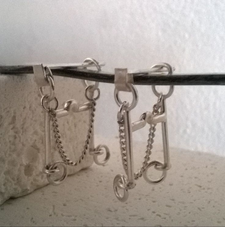 Divine Horse Design: Curb bit ear rings Sterling silver. 120€.