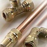 Медные трубы один из самых надежных материалов применяемый для водопровода квартиры. Соединяются медные трубы двумя способами. Первый способ это неразъемные соединение на фитингах с пайкой. Этот тип...