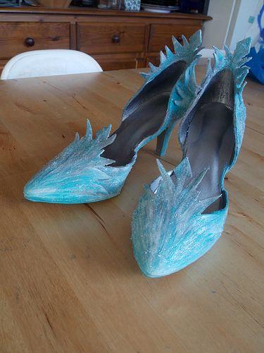 #DIY Elsa's shoes -- whoa, I love them!!