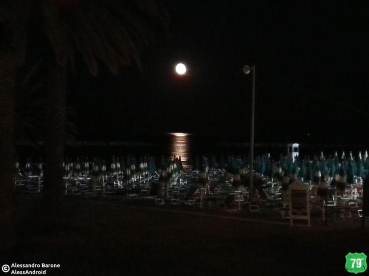 Luna sul mare #SanBenedettoDelTronto #Marche #Italia #Italy #Viaggio #Viaggiare #Travel #AlwaysOnTheRoad