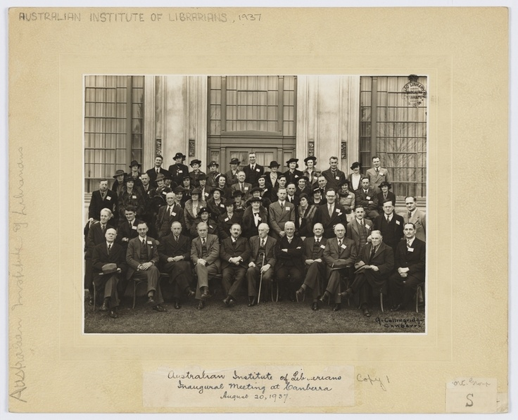 Australian Institute of Librarians' inaugural meeting at Canberra, August 20, 1937 / photographer A. Collingridge, Canberra