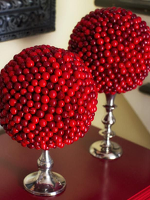 Best 25 christmas topiary ideas on pinterest xmas for Artificial cranberries for decoration