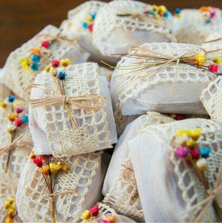 Bem casados embalagem com crochê