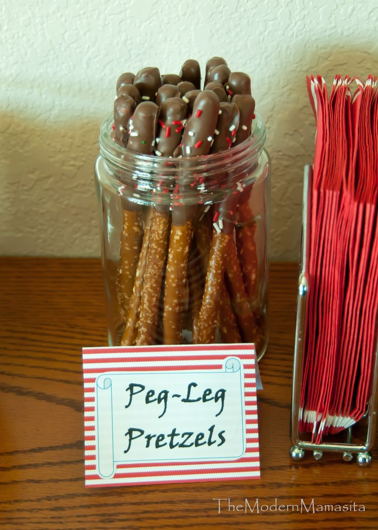 Peg-leg pretzels| Pirate Party snack food | DIY chocolate covered pretzels