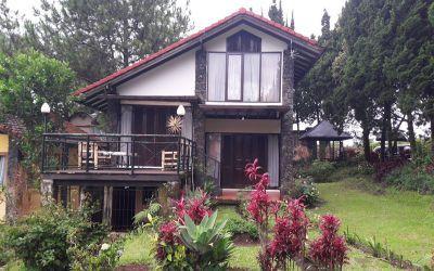 Villa Paling Rekomend di Bandung Villa Istana Bunga