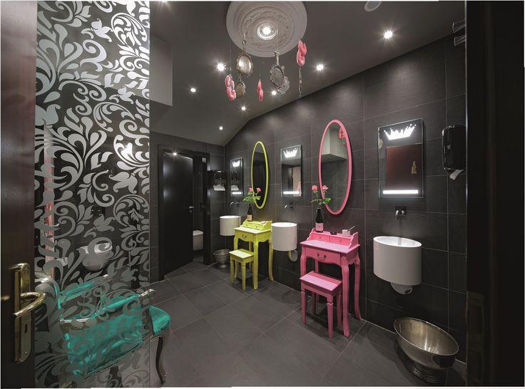 die besten 25 damentoilette ideen auf pinterest halbes badezimmer renovieren wc dekor und. Black Bedroom Furniture Sets. Home Design Ideas