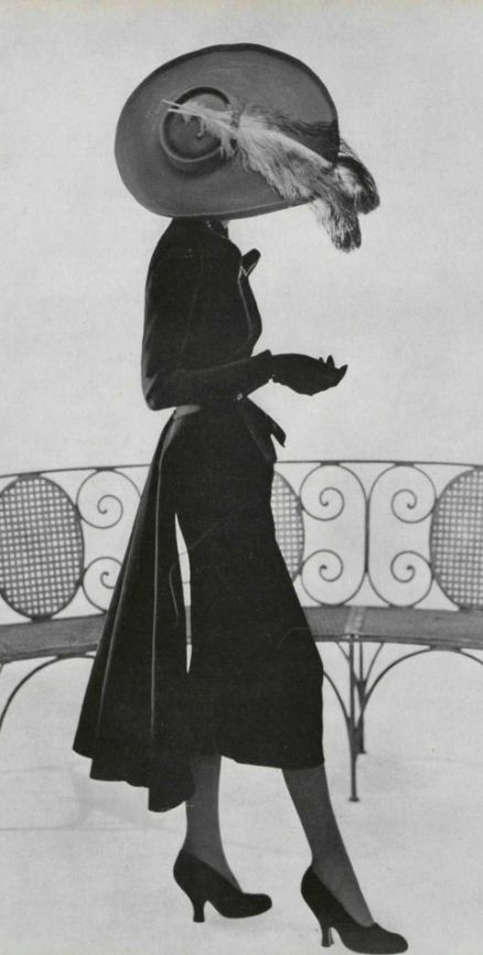 1949 Christian Dior /lnemnyi/lilllyy66/ Find more inspiration here: http://weheartit.com/nemenyilili                                                                                                                                                      More