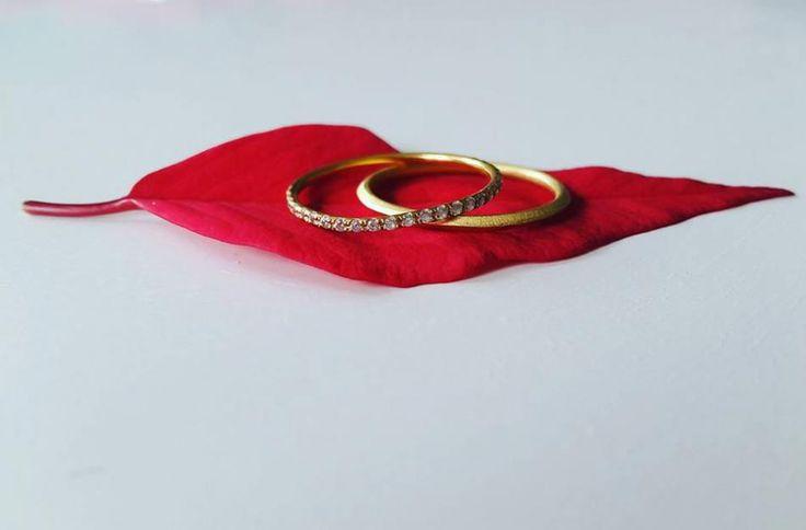 Blad der flyder afsted. #hvisk #hviskstyling #hviskstylist #hviskjewellery #smykker #jewellery #glimmer #glimmerogglitter #guldogglimmer #ringe #fingerring #fingerringe #ring