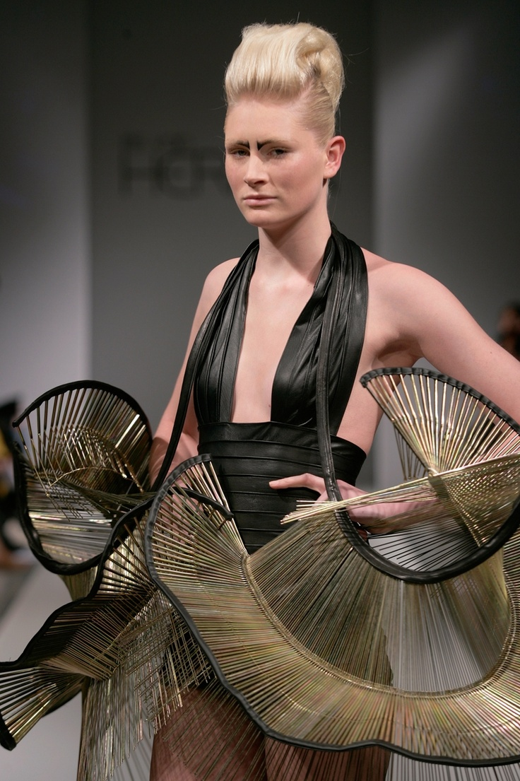 Iris Van Herpen www.fashion.net