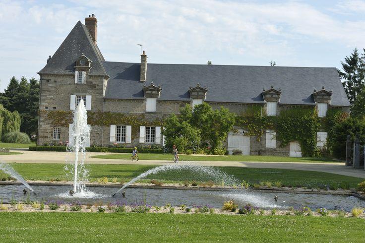 #ducey #villageetape #manche #normandie #jardin #jardindechateau #chateaudesmontgommery #eau #jetdeau
