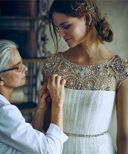 Marchesa Notte fecha parceria com a BHLDN para criar vestidos de noiva acessíveis