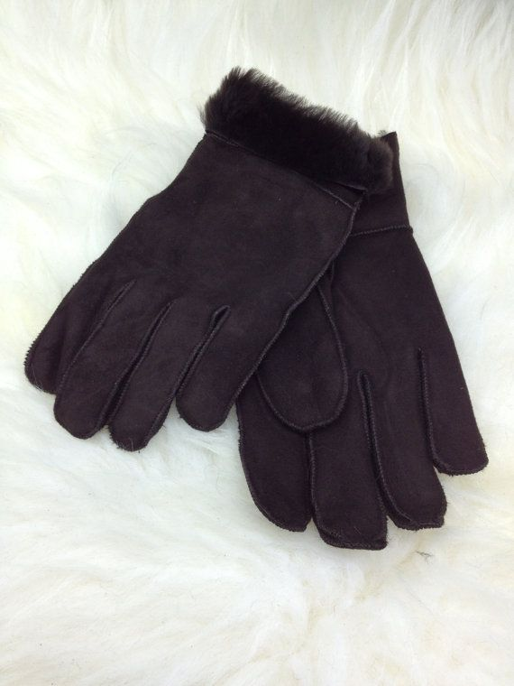 Genuine shearling gloves for adults. by BeFur on Etsy, €18.00