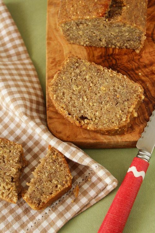 Quem achou que me enganei nos ingredientes da receita errou: o bolo de banana e painço não é comida de passarinho!