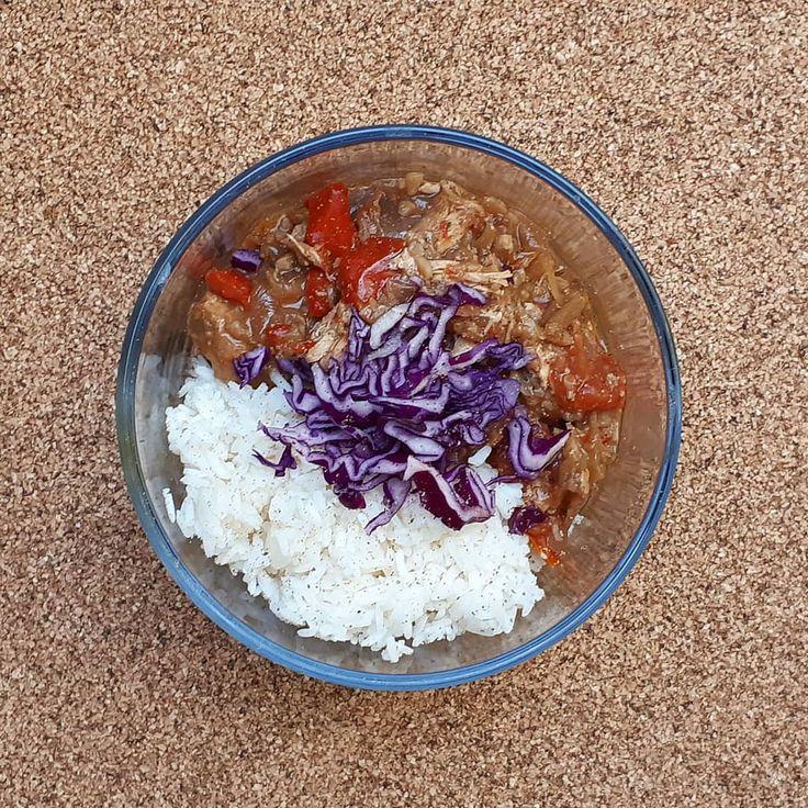 Hühnchen-Wurst-Eintopf mit Reis 🤤 Im Alter von 26 Jahren habe ich beschlossen, …