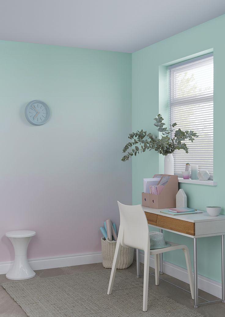 Wir zeigen Ihnen Schritt für Schritt, wie Sie einen Ombre-Effekt an Ihrer Wand erzeugen können