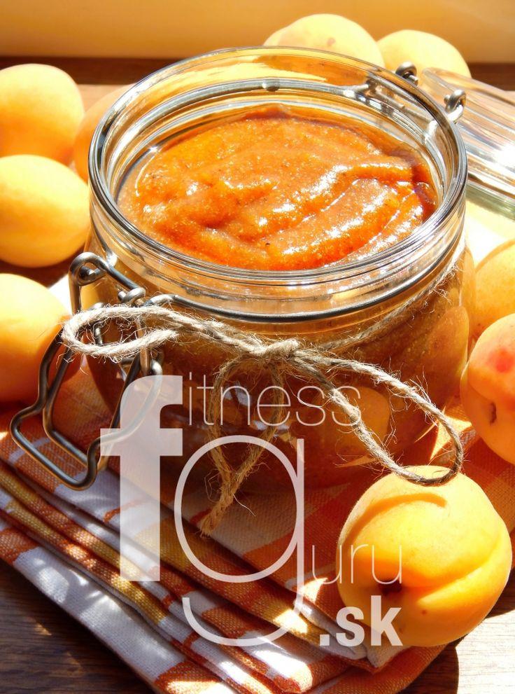 Raw meruňkový chia džem