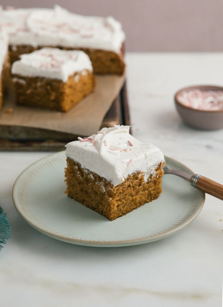 One-Bowl Pumpkin Sheet Cake with Brown Butter Frosting / A Cozy Kitchen