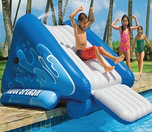 Ας καλωσορίσουμε τον Αύγουστο με διασκέδαση και παιχνίδι στην πισίνα! Καλό μήνα!