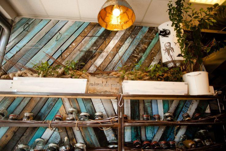 Необычный интерьер рыбного ресторана в морском стиле, Бухарест