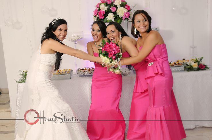 ¿Quien se queda con el ramo? #novia# #ramo# #velo# #boda# #rosado#