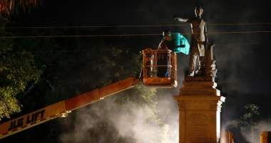 New Orleans Removes Jefferson Davis Monument; Gens. Beauregard, Lee Next