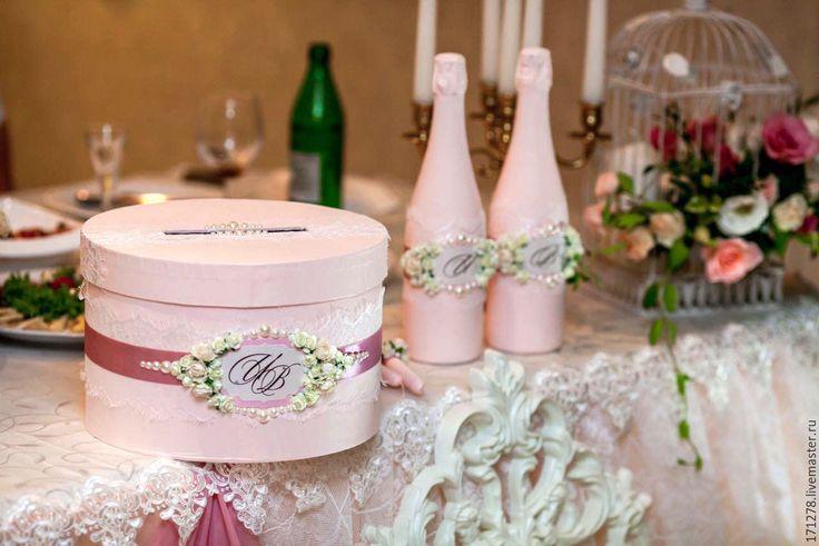 Купить или заказать Свадебная казна (арт. 0004) в интернет-магазине на Ярмарке Мастеров. Свадебный сундучок с открывающейся крышкой. После торжества может служить молодоженам в качестве шкатулки для хранения свадебных аксессуаров. Возможно изготовление в любой цветовой гамме. ......................................................................................................................................................