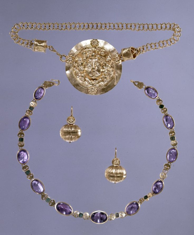 Selection of Roman Jewellery bequeathed to the British Museum by Sir Augustus Wollaston Franks - c. 200 AD