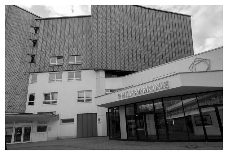 Berliner Philharmonie, Berlin   Hans Scharoun #berlin #germany #berlinerphilharmonie #philharmonie #music #orchestra #blackandwhite #monochrome #greyscale #hansscharoun #architecture #photography #facade