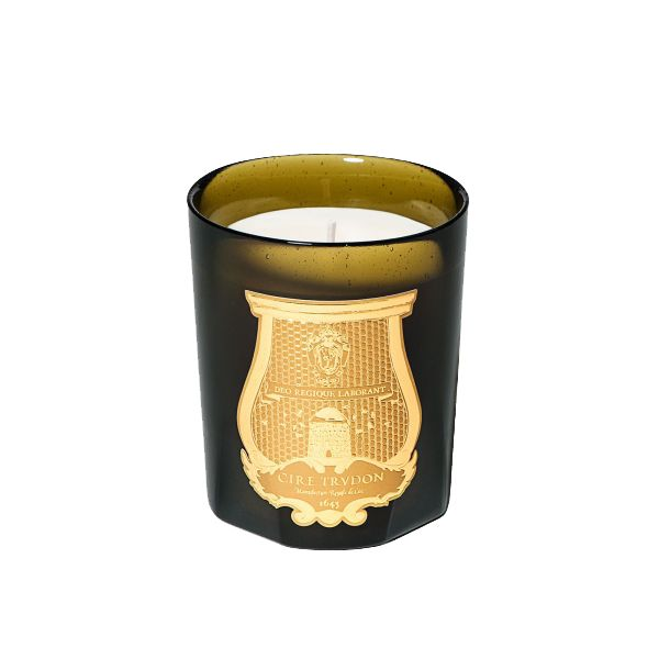 The Socialite Family | Bougie cire trudon. #candle #bougie #ciretrudon #design #chic #déco #inspiration #thesocialitefamily