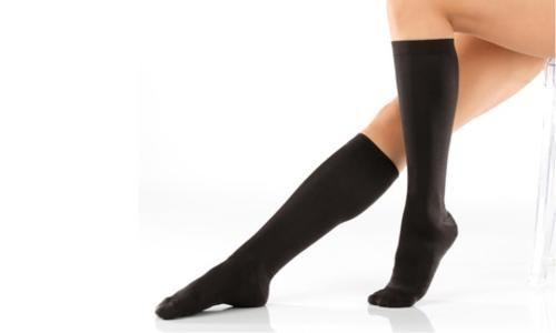 #Fino a 6 paia di calze a compressione graduata.  ad Euro 8.99 in #Groupon #Shopping