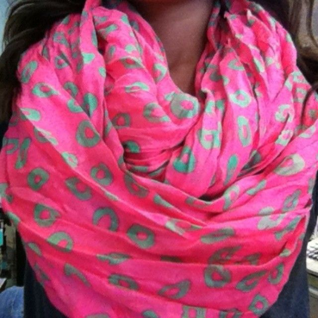 ♥♥ I love scarf weather!!