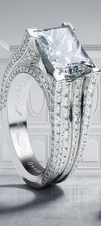 A perfect engagement ring..!! #jewelexi #engagement #ring #engagementring