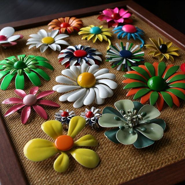 Vintage Enamel Flower Pins 7