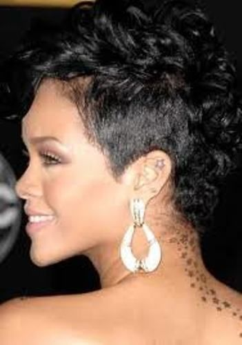 Short Curly Mohawk Hairstyles For Black Women or women with black hair ;) #mohawksforlife
