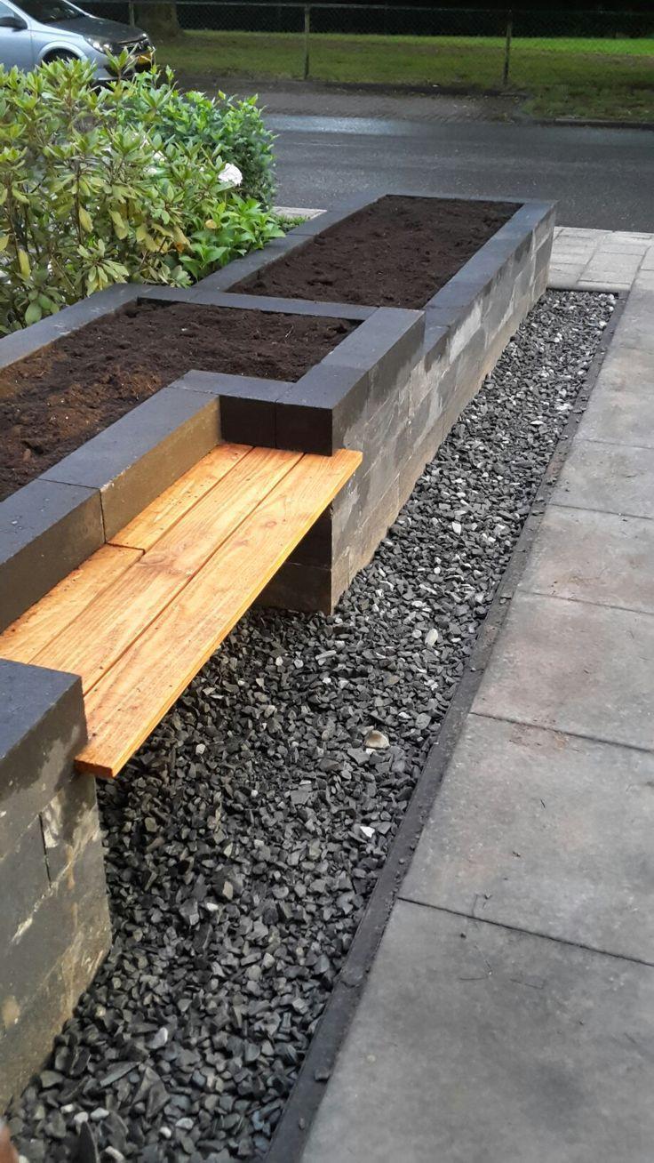 Unser Garten! Line Block Bins mit einer Bank gemacht – #bakken #bankje #een #gard …   – Kochen