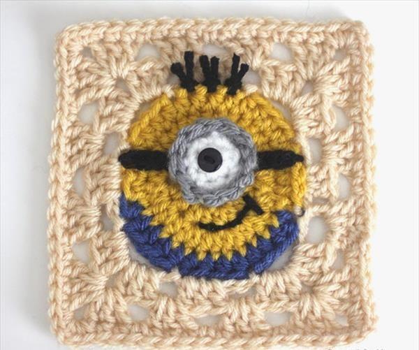 crochet-minion-granny-square-pattern.jpg 600×501 píxeles
