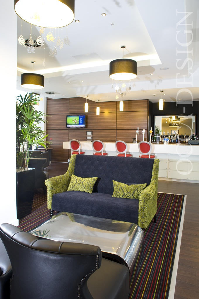 Hotel Interior Design Bar Counter Contemporary Hampton By Hilton