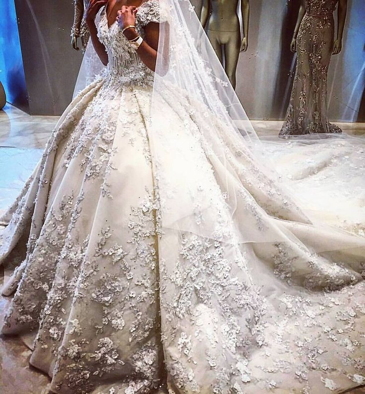 ● A guide for the Lebanese brides  ● Wedding Consultant  ● For enquiries -> Lebaneseweddings@hotmail.com ● Snapchat : Lebanesewedding