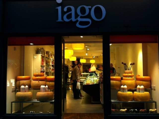 Our extra virgin olive oil in Ireland thanks to Iago #ireland #puglia #italy #extravirginoliveoil #love #olio #frantoiomuraglia