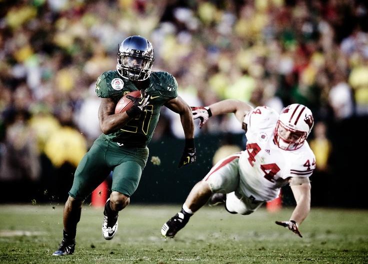LMJ, filthy: Oregon Ducks Football, Ducks Running, Boyd The Oregonian, Duck Football, Ducks History, Oregon Football, Bowls