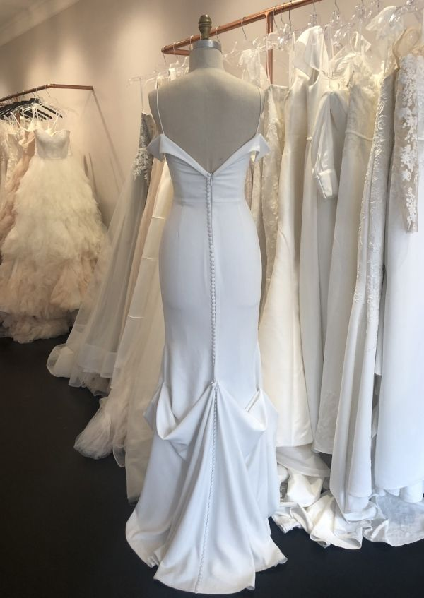 Wedding Dress Bustle Types And Tips Wedding Dress Bustle
