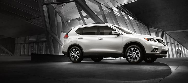 2016 Nissan Rogue in Pearl White