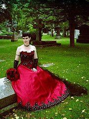 Obsidian & Wayne's Gothic Halloween-Themed Wedding!