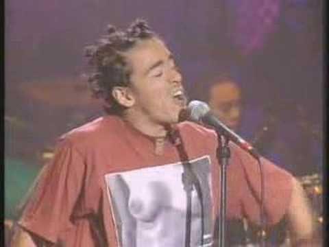 """Video: """"Ingrata"""", Café Tacuba cumple 24 años de haberse presentado por primera vez"""